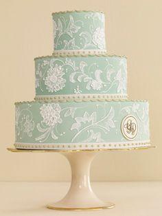 lovely vintage inspired wedding cake