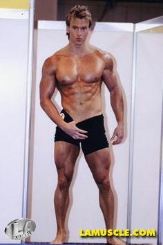 Rob Riches, natural bodybuilder, one of my favorites. Nice chest