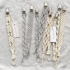 Macrame Knots Macrame Jewelry Diy Jewelry Macrame Projects Curtain Tie Backs Hacks Diy Crochet Pacifier Clip Armband Macrame Curtain Macrame Art, Macrame Projects, Macrame Knots, Macrame Jewelry, Macrame Bracelets, Diy Jewelry, Jewelry Making, Macrame Patterns, Gifts For Friends