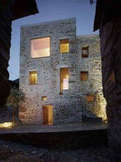 Steinhaus Scaiano, skulpturale Erscheinung