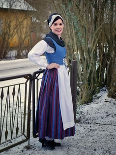 Tornionlaakso folk dress, Finland Folk Costume, Costumes, Ethnic Dress, Medieval Clothing, Traditional Dresses, Beautiful Pictures, Culture, Clothes, Frozen