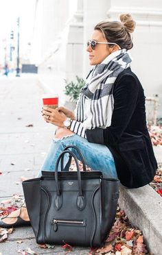 #winter #fashion / Printed Scarf / Black Blazer / Destroyed Jeans / Leather Tote Bag
