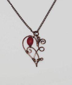Collier demi-coeur en cuivre et corail