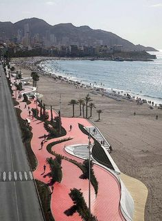 Прогулочная набережная Западного пляжа в Бенидорме. Фото (с) Alejo Bague