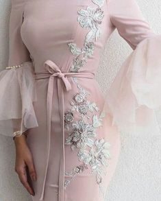 Simple Dresses, Elegant Dresses, Pretty Dresses, Beautiful Dresses, Formal Dresses, Hijab Evening Dress, Hijab Dress Party, Evening Dresses, Mode Abaya