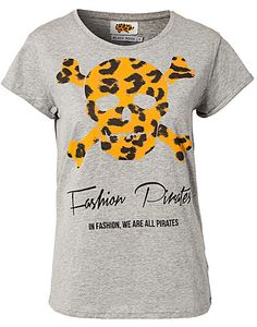 Fashion Pirates T-shirt - Black Book