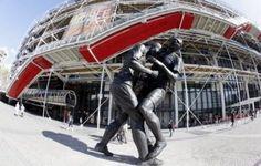 """Appel au retrait de la statue de Zidane: le centre Pompidou """"choqué"""" par cet """"appel à la censure"""""""