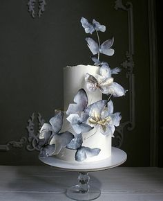 Wedding Cakes - a must see jaw-dropping pin idea number 6003503358 Wafer Paper Flowers, Wafer Paper Cake, Beautiful Wedding Cakes, Beautiful Cakes, Fantasy Cake, Butterfly Cakes, Butterfly Wedding Cake, Modern Cakes, Painted Cakes
