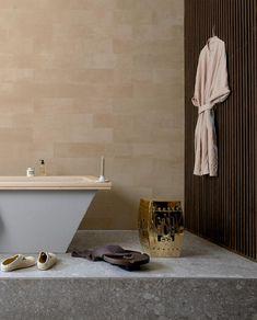 Woontrend 2021: zo haal je de Japandi-trend in huis | vtwonen House Rooms, Bathtub, Bathroom, Trends, Home, Standing Bath, Washroom, Bathtubs, Bath Tube