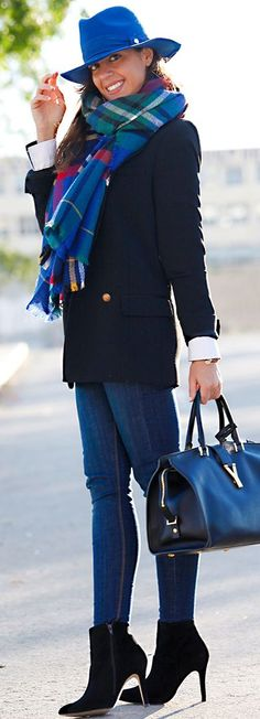 Hint Of Color On Black On Blue Fall Street Style Inspo                                                                             Source