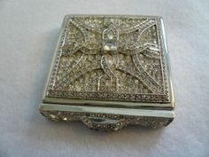 What an ornate powder compact. So beautiful.