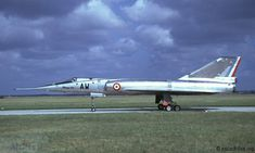 Until 1976, French Armée de l'Air had no less than 9 Dassault Mirage IV squadrons. Here pictured in 1973.
