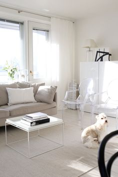 Homevialaura | living room | white linen curtains | Mixrack | Showroom Finland | Tapio Anttila | Hay Tray Table