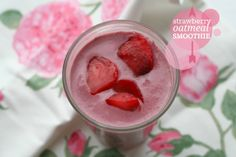 Strawberry Oatmeal Smoothie #smoothies