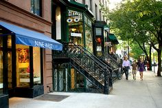 Shopping on Montague Street in Brooklyn Heights, NY