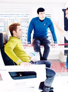 Star Trek - Kirk (Chris Pine), Spock (Zachary Quinto)