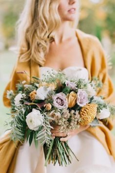 Romantic Blue and Gold Wedding Inspiration