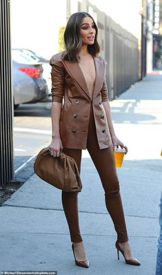Olivia Culpo risked a wardrobe malfunction in Los Angeles on Monday when she opted to go braless in a leather power suit for a meeting. Classy Outfits, Chic Outfits, Fashion Outfits, Womens Fashion, Fashion Trends, Fashion Clothes, Olivia Culpo Style, Olivia Culpo Hair, Mode Ootd