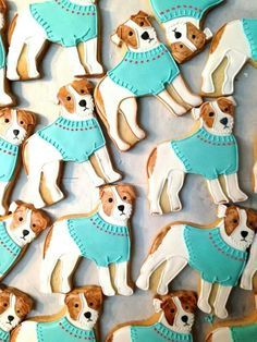 Could these dogs ot these cookies be any cuter? Cat Cookies, Fancy Cookies, Cupcake Cookies, Sugar Cookies, Cupcakes, Animal Cakes, Dog Cakes, Cookie Frosting, Puppy Party