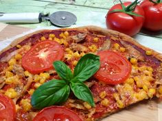 A legegyszerűbb, vékonytésztás %-kal CH csökkentett pizza - Salátagyár Fat Foods, Hawaiian Pizza, Vegetable Pizza, Diet Recipes, Vegetables, Recipes, Healthy Diet Recipes, Veggies, Vegetable Recipes