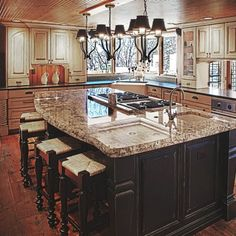 Kitchen Islands With Cooktops Photo