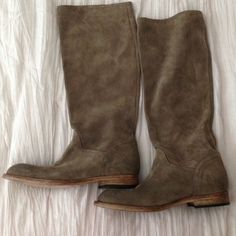 Super soft suede boots!💕 Beautiful suede boots wear with ankle straps or without. New never worn Alberto Fermani Shoes