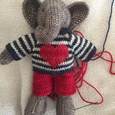 Mesmerizing Crochet an Amigurumi Rabbit Ideas. Lovely Crochet an Amigurumi Rabbit Ideas. Crochet Game, Knit Or Crochet, Crochet Crafts, Knitted Stuffed Animals, Knitted Animals, Knitted Dolls, Crochet Dolls, Knitting For Kids, Baby Knitting