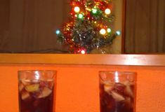 Voňavý vianočný ovocný punč Rum, Liquor Cabinet, Thing 1, Smoothie, Home Decor, Decoration Home, Room Decor, Smoothies, Rome