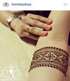 Follow hennabydivya on Instagram!!! Henna mehndi pics are awesome !