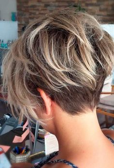 35 Trendy Short Haircuts For Womens 2018