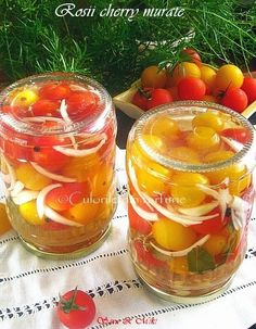 Rosii cherry murate Canning Pickles, Romanian Food, Romanian Recipes, Pickling Cucumbers, Canning Recipes, Summer Drinks, Punch Bowls, Food To Make, Good Food