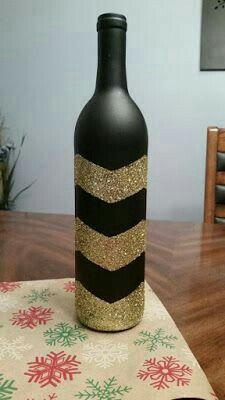 wine bottle crafts diy 54 - More DIY Ideas Glass Bottle Crafts, Wine Bottle Art, Painted Wine Bottles, Diy Bottle, Glitter Wine Bottles, Decorated Liquor Bottles, Glass Bottles, Wine Craft, Altered Bottles
