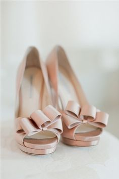 Modern wedding shoes for bride – Top wedding USA blog