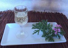 Λικέρ Αμπορόριζα με λευκό κρασί Long Drink, Greek Cooking, Desert Recipes, Alcoholic Drinks, Beverages, Food And Drink, Sweets, Tableware, Deserts