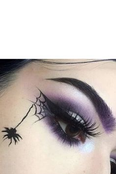 Purple Witch Makeup, Pretty Witch Makeup, Witchy Makeup, Gothic Makeup, Black Makeup, Halloween Eyeshadow, Halloween Makeup Witch, Fete Halloween, Halloween Looks
