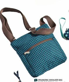 Organizing Shoulder Bag in beautiful Teal Houndstooth!  #ClippedOnIssuu from Thirty-One Catalog Fall 2014