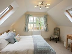 Twin bedroom | Saintbury Grounds Farm - The Hayloft, Bretforton, nr. Broadway