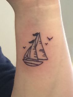 like boat style, minus the flag on top maybe, also leave it to a single sail Henna, Sailing Tattoo, Sailboat Tattoos, Little Tattoos, Small Tattoos, Dad Tattoos, Tree Tattoos, Boat Fashion, Memorial Tattoos