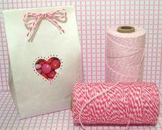 Dekorzsineg Pékzsineg Baker's twine  Dekorella Shop  http://dekorellashop.hu  Valentine's Day baggie with baker's twine