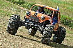 Ultimate Mini Crawler from our fan Jesse Mini Muikku (Y) Mini Cooper 4x4, Mini 4x4, Mini Cooper Classic, Classic Mini, Mini Coopers, Mini Trucks, Cool Trucks, Cool Cars, Extreme 4x4