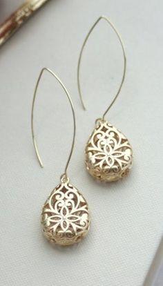 It's all in the details.. beautiful finish work. Gold Pear Teardrop Filigree Earrings