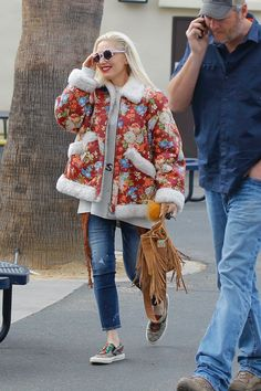 Gwen Stefani Clothing, Gwen Stefani Style, Mode Outfits, Fall Winter, Husband, Fashion Ideas, Notes, Woman, Random