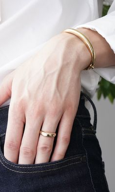 The Thin Dôme Ring-a classic bold design, but we made it ultra-light so that nothing is weighing you down (we wouldn't want that). Pair it with daintier rings or the Dôme bracelet.