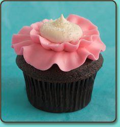 Pink Poppy Flower! #PartyPerfectCupcakes #ThePartyStartsHere #TrophyCupcakes