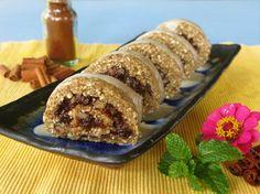 Raw vegan cinnamon rolls (must try when I finally get a food processor!)