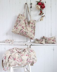 Rachel Ashwell Shabby Chic Couture - New Cluster Travel Collection