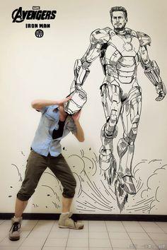 Der aus Beijing stammende Illustrator Gaikuo-Captain integriert sich quasi selbst in seine Superhelden Zeichnungen.