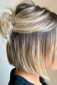 Easy Bun Hairstyles, Short Hairstyles For Women, Hairstyles Haircuts, Hairstyle Ideas, Hairstyle Short, Wedding Hairstyles, Fashion Hairstyles, School Hairstyles, Anime Hairstyles