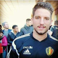 Dries Mertens Belgium Dries Mertens, Male Athletes, Number 14, Athletic Men, Graphic Sweatshirt, Football, Hot, Happy, Athlete