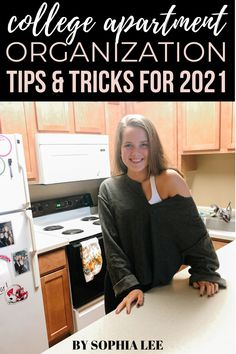 i love these college apartment organization ideas!! i just moved into my first college apartment and really wanted to make it a goal to keep it clean and organized. these tips were so helpful for doing that! First College Apartment, First Apartment Checklist, First Apartment Essentials, First Apartment Decorating, College Fun, Organization Hacks, Keep It Cleaner, Goal, University